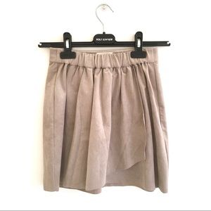 ARITZIA Wilfred Free Faux / Vegan Suede Mini Skirt